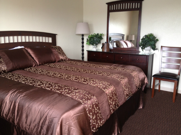 Deluxe Pillow Top Room - Accommodation at Sage N Sand